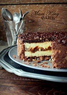 Maxi King Cake   Receptura: 200 g biszkoptów pokruszonych 100 g masła niesolonego 4 łyżki Nutelli  Wymieszaj pokruszone na piasek biszkopty razem z roztopionym masłem i Nutellą....