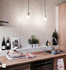 kuchnia, mozaika, żarówki i...