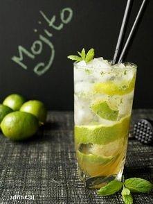 Mojito (Mohito):  * pół limonki * 2 łyżeczki cukru * mięta * 40 ml białego ru...