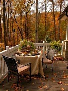 Jak cudownie jest zjeść śniadanie w takim miejsc. Czego chcieć więcej?