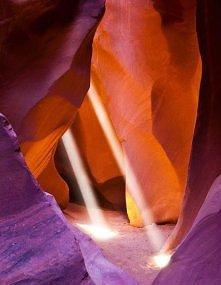 Upper antalope valley, Page, Arizona by Shreya Naseri