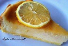 SERNIK CYTRYNOWO-IMBIROWY  Spód: - 1 szklanka mąki, - 2 łyżki masła, - 1 jajko  Masa serowa: - 400 g sera do serników, - 2 jajka, - ½ szklanki cukru, - 2 łyżki mąki ziemniaczane...
