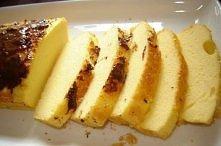 CIASTO JOGURTOWE DIETETYCZNE  3 jajka 1 mały odtłuszczony jogurt lub kefir (150g) 1 łyżeczka słodziku (lub 16 pastylek) 4 łyżki mąki kukurydzianej 2 łyżeczki proszku do pieczeni...