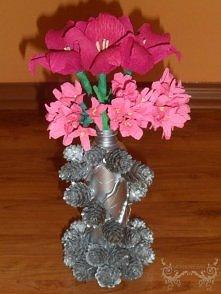 Różowe kwiatki z krepiny, w...