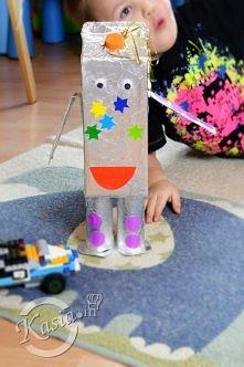 Jak zrobić robota z kartonu po soku