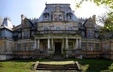 Pałac Sobańskich w Guzowie, Mazowsze  Przepiękny pałac, który został zbudowany pod koniec XIX wieku na zlecenie rodziny Sobańskich często porównywany jest do słynnego zamku w Ch...