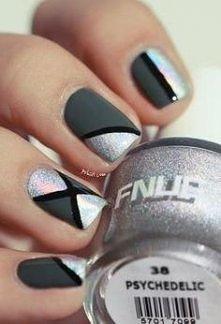 Co powiecie na taki nietypowy manicure? Może zaproponujecie inne kolory?