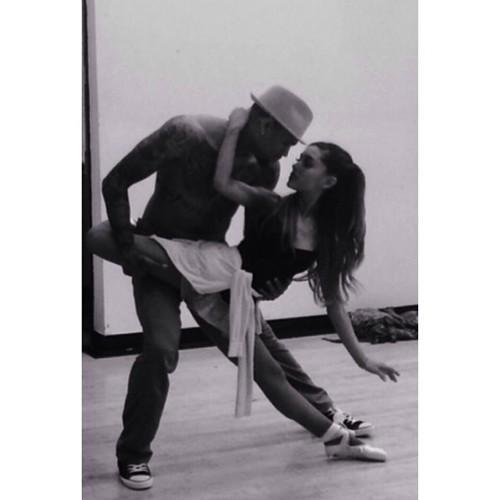 W tańcu można odkryć duszę kobiety... ja także odkrywam w nim jej cząstkę :)