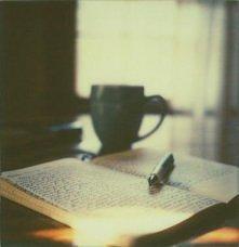 To co dzieje się w moim świecie opisuję regularnie w pamiętniku. Zbieram wspomnienia by kiedyś odświeżyć sobie pamięć i przypomnieć o tym co gdzieś umknęło.