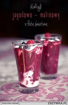 Koktajl jagodowo - malinowy z bitą śmietaną   Składniki (3 porcje):  • 130 g jagód (i kilka do dekoracji) • 130 g malin (i kilka do dekoracji) • 100 ml pełnego mleka • 50 g jogu...