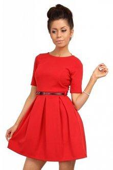 MOE - 018 Rozkloszowana sukienka z kontrafałdą - czerwona