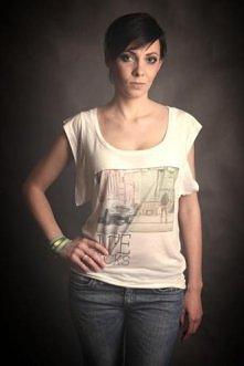 Studio Agama - T-shirt Life sucks z włókien eukaliptusa
