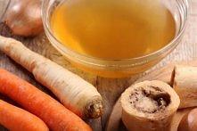 Najskuteczniejszy sposób na jędrną skórę Okazuje się, że babcia miała rację. Zupa sporządzona z kości lub szpiku wypełniona jest składnikami odżywczymi, które działają cuda z ur...