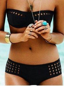 Piękny strój wraz z idealną figurą :)