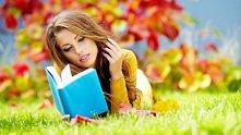 ...oczytaną, uwielbiającą analizować ciekawe książki do białego rana...