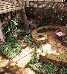 mały kącik na odpoczynek w ogrodzie