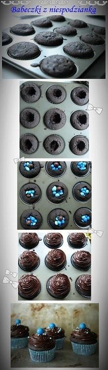 Czekoladowe babeczki z niebieskimi m&msami ;)