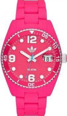 Różowy zegarek marki Adidas.