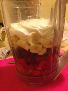 yogurt:-) naturalny