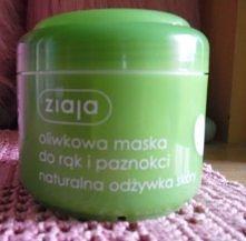 Maska do dłoni firmy Ziaja ..nie przepadam za oliwkowym zapachem ale ta masec...