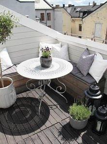 przytulny balkon: siedzisko...