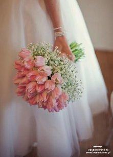 Bukiet ślubny z tulipanów i gipsówki
