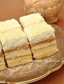 Ciasto balowe  Składniki: Biszkopt: •4 jaja •½ szklanki mąki pszennej •½ szkl...