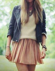 Ciekawa stylizacja, swetere...