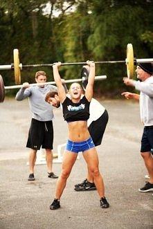 PAMIĘTAJ !!! Dbaj o swoje ciało. Ćwicz regularnie, uprawiaj poranną gimnastykę aby ciężki, długi dzień mijał jak najlepiej, tańcz zumbę, biegaj z bliskimi bo przecież razem raźn...