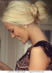 piękny blond koczek