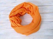 Pomarańczowy komin. Energetyczny kolor na wiosnę - też Ci się podoba?