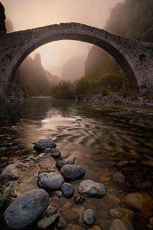 Starożytny most, Epir, Grecja