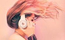 a muzyka? to muzyka sprawia,że czujemy się dobrze,unosi nasze ciała,sprawia,ż...