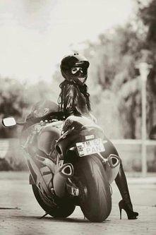 kobiety też kochają motocykle