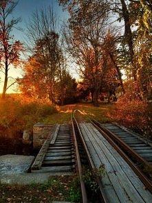 Nieczynne tory kolejowe, Townsend, Massachusetts, USA