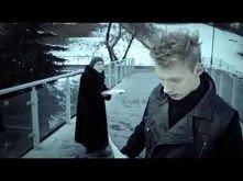 LemON - Bede Z Toba [Official Music Video]  Elektryzuje mnie jego głos... :) Igor Ty masz to coś :)