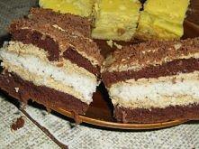 CAPPUCINO Ciasto: 7 jajek, 8 łyżek cukru, 6 łyżek mąki krupczatki, 1 łyżeczka proszku do pieczenia, 3 łyżki oleju, 2 łyżki kakao. Ubić jak na biszkopt. Ciasto kokosowe: 6 białek...