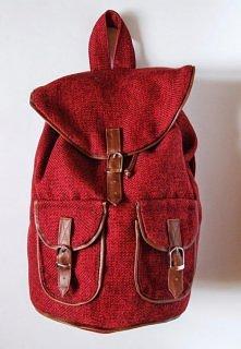 Własnoręcznie szyty przeze mnie plecak ;D   Więcej zdjęć po kliknięciu na obr...