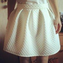 Moja mama uszyła dla mnie :)  Jeśli jesteś zainteresowana taką spódniczką, na...