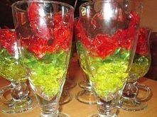 Galaretki z wódką Składniki: 4 galaretki, najlepiej różne smaki i kolory 0,5 ...