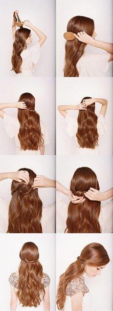 Szybkie upięcie dla długich włosów.
