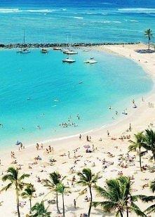 Piękny widok - ocean, czysta woda, biały piasek i palmy. Chcemy tam! :)