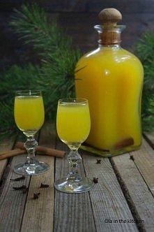 jest pyszna :)Nalewka świąteczna   6 pomarańczy 200 g cukru 1 laska wanilii 1...