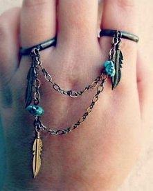 Piękny pierścionek na 2 palce ;)