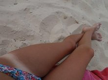 Marzenie :))  Ma ktoś pomysł jak szybko opalić nogi? ;_;