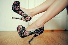 Cudowne szpilki w kwiatki. Must have tego lata☆