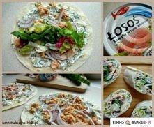Tortilla z łososiem   Składniki:  4 tortille o średnicy 20 cm (lub 2 większe)  1 puszka łososia w kawałkach w sosie własnym  100 g serka śmietankowego   pół pęczka koperku   1 d...