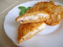 pierś z kurczaka w cieście serowym Składniki: 1 pierś z kurczaka 1 jajko 1/3 szkl mleka 1/2 szkl mąki pszennej 1/2 szkl startego sera żółtego przyprawy: vegeta (domowa vegeta), ...