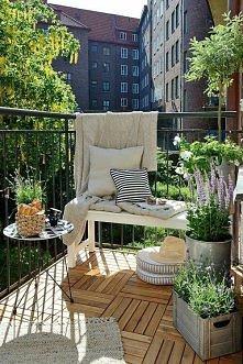 Pomysł na aranżację małego balkonu