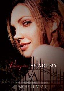 W akademii imienia świętego Władimira wampiry czystej krwi - moroje - uczą się posługiwać swoimi nadnaturalnymi darami, a mieszańce - dampiry - szkolą się na ich opiekunów i odd...
